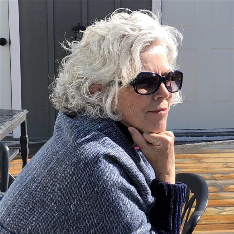 Silver Wavy Hairstyle