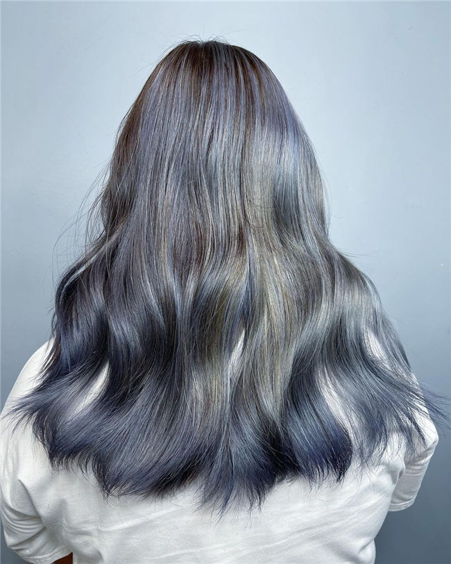 Wavy Blonde Hair Ombre Style